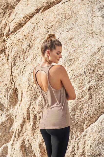 Camiseta Deportiva con Entorche en Espalda Para Mujer Chamela 5